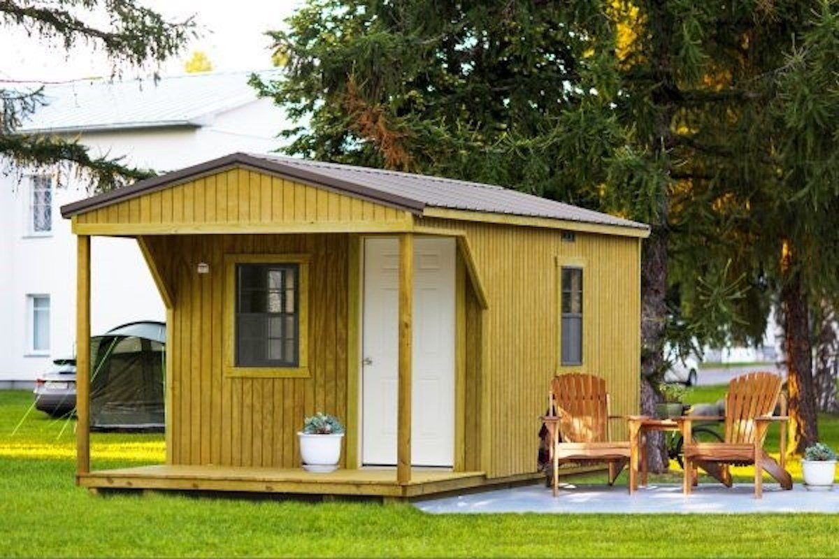 tiny-house-cabin-office